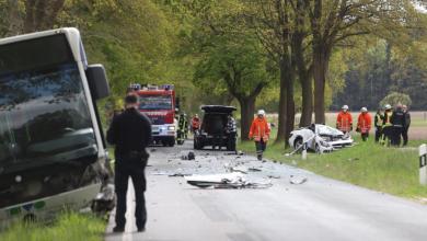 Photo of PKW Fahrer fährt in Gegenverkehr und stirbt bei Frontalunfall