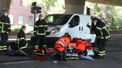 Photo of Motorrad kollidiert mit Kleintransporter