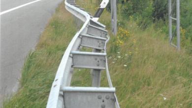 Photo of Rund 300 Meter Leitplanke beschädigt – Polizei sucht Zeugen