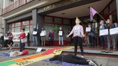 Photo of Zugang zur SPD-Zentrale von Aktivisten blockiert