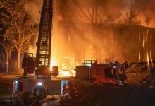 Bild von Warn-Apps warnen vor Großbrand in Wilhelmsburg