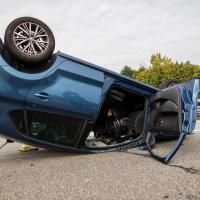 Auto überschlägt sich bei Unfall auf der A1 bei Stillhorn