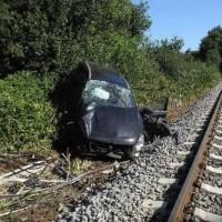 20-jährige bei Unfall am Bahnübergang schwer verletzt