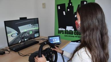 Bild von Neun junge Johanniter trainieren sicheres Fahren am Simulator