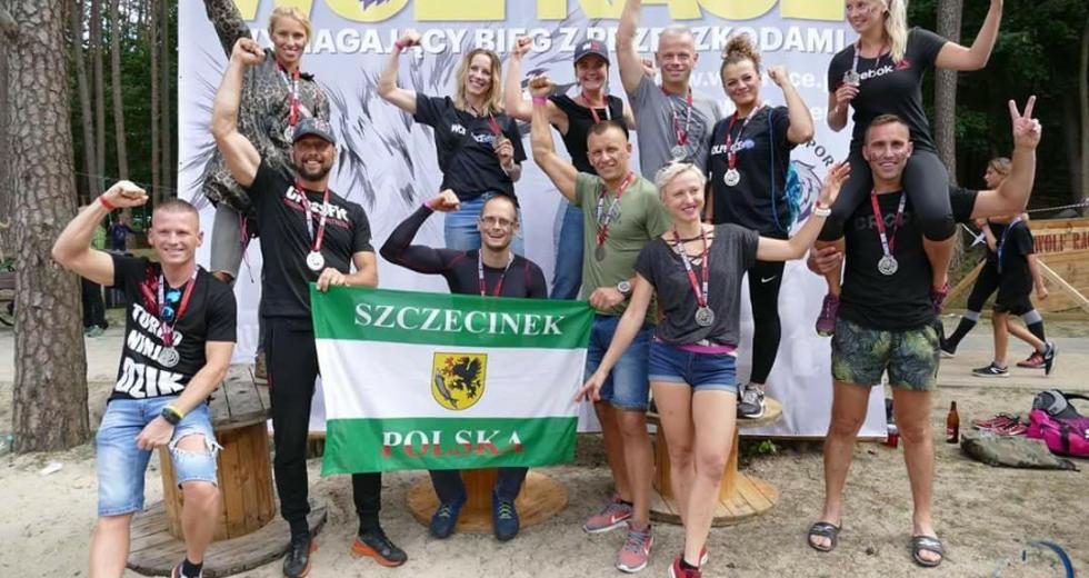 Udany debiut Cross Team Szczecinek w biegu przeszkodowym WolfRace w Trzciance