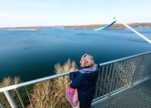 W Ińsku otwarto nowe atrakcje turystyczne – wieżę widokową oraz pływający pomost.