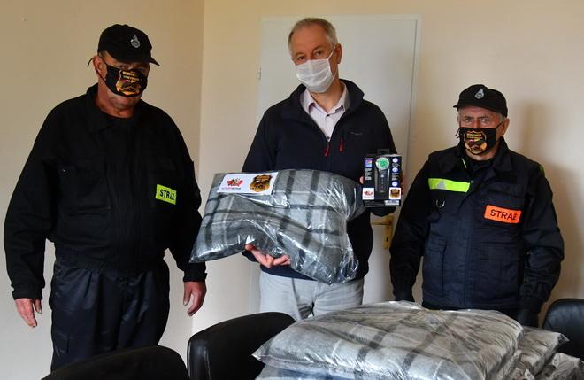 Strażacy z Jeżyczek pomogli medykom ze Sławna