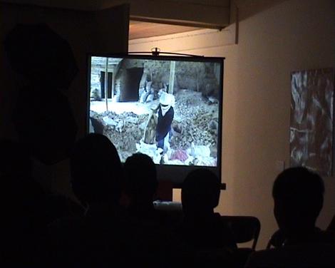 """Pemutaran video akumassa Padangpanjang, """"Penambang di Bukit Tui"""""""