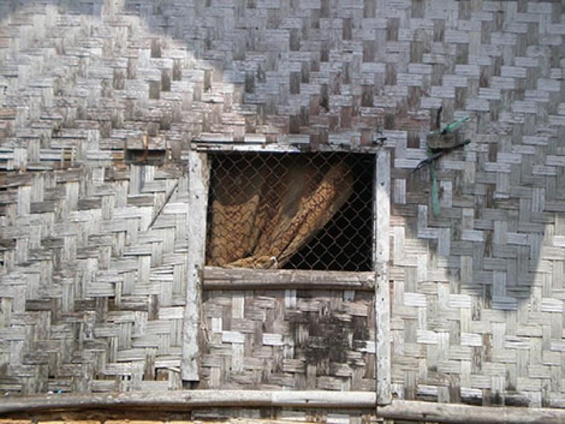 Jendela rumah si korban