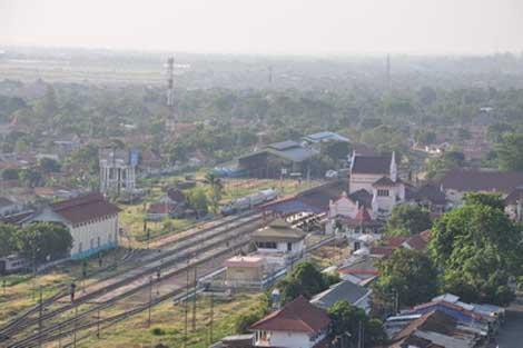 stasiun kereta kejaksan cirebon