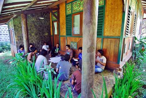 Kelompok diskusi mengenai ekonomi