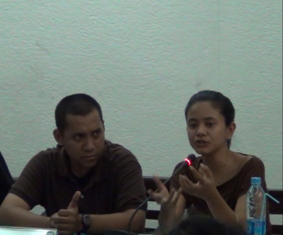 Rizki Lazuardi dan Irma Chantily, dua dari tiga orang kurator OK. Video -- The 6th Jakarta International Video Festival.