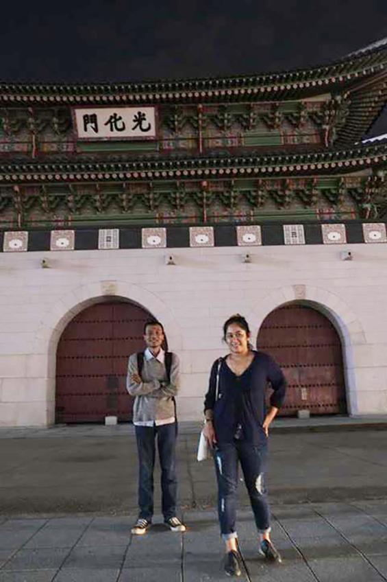 Mahardika Yudha dan Otty Widasari, ketika berada di Korea Selatan, menghadiri undangan SeMA Biennale MEDIACITY SEOUL 2014.