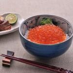 新潟県村上市近海で水揚げされた秋鮭卵の醤油漬。税込8,100円