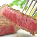 口溶け柔らかな霜降りのロース肉と赤身ならではのコクと旨み モモ肉のステーキ