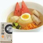 押し出し製法によるコシが強く弾力ある食感の麺と、旨辛スープの味わいを
