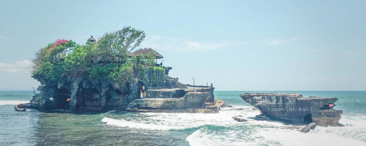 Tanah Lot di Bali (Copy)