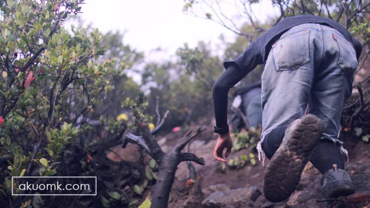 Hiking Time Gunung Papandayan
