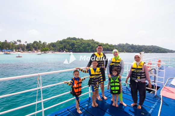 Persiapan bermain banana boat