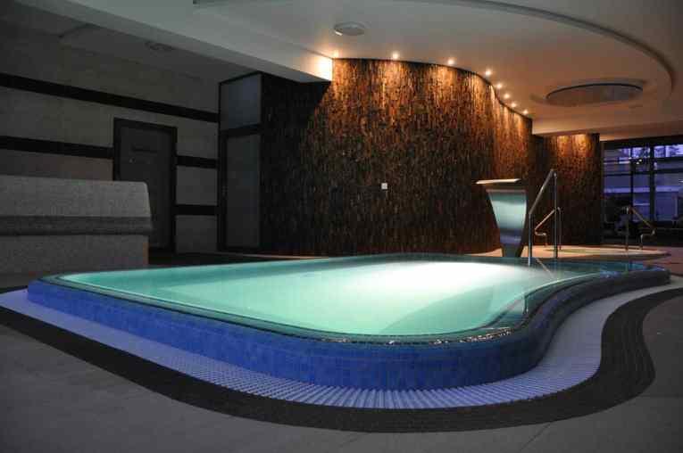 duża wanna spa baseny hotelowe budowa projektowanie zachodniopomorskie dąbki