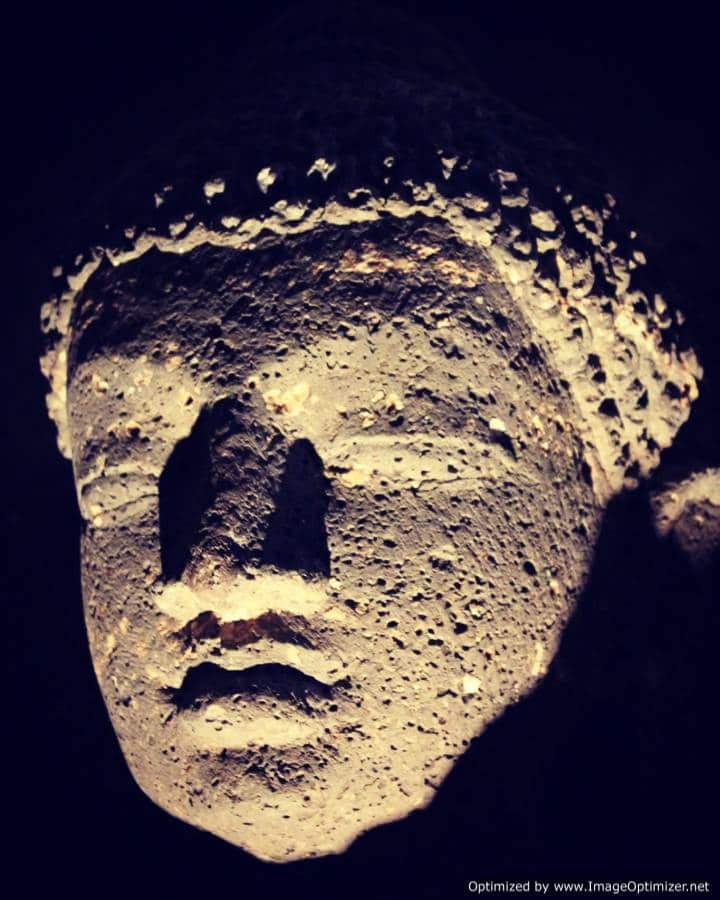 Tête de Bouddha, circuits