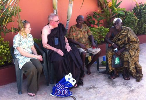 Kurt besøger Klanens ældste i Akwamufie