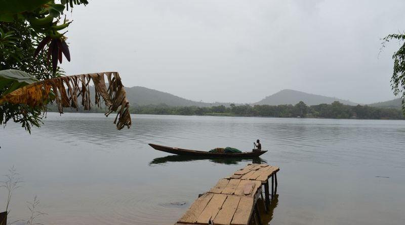 Ghana 2017 - Båd på floden