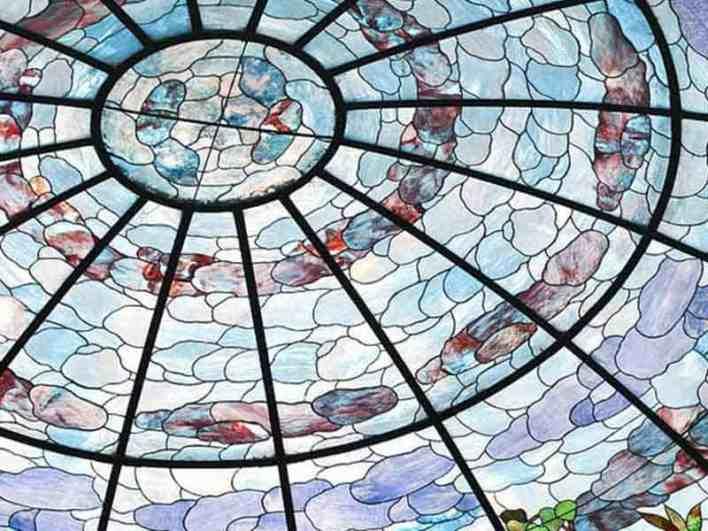 الزجاج المعشق
