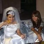 """فيديو .. عروس تترك حفل زفافها من أجل """"الشيشة""""!"""