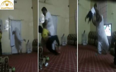 """شاهد: مشجع  يحتفل بفوز الأهلي بطريقة """"المجانين""""!"""