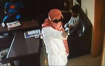 """كشف تفاصيل القبض على منفذ  الهجوم المسلح على مطعم """"القلزم"""""""