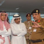 بالصور : اللواء صالح الجلعود في زيارة تفقدية لمركز عمليات 911 بمكة