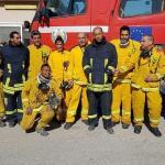 """بالصور.. إسرائيل: """"منبهرون من قدرات رجال الإطفاء الفلسطينيين.. وسياراتهم أفضل من اطفائياتنا""""!"""