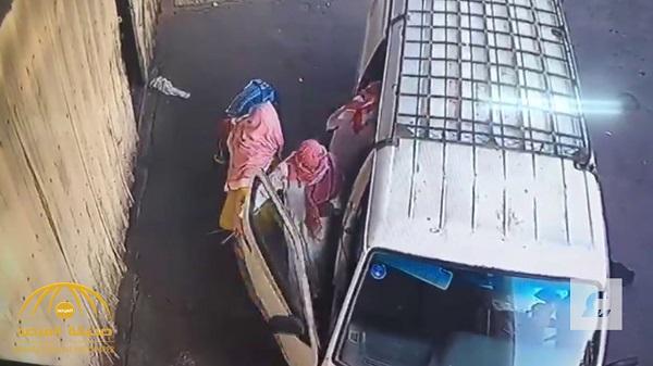 شاهد : عصابة باكستانية تسرق 8 أحياء بجدة .. والشرطة تكشف التفاصيل