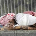"""تعرف على قصة المواطن  """"سالم """" التي قست عليه الحياة ورمته مشردًا في شوارع جدة!"""