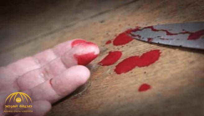 قامت بإخراج السكين فقط .. مقتل شخص بطعنة غائرة في الصدر.. والجهات الأمنية تتحفظ على زوجته بجدة !