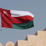 """سلطنة عُمان تكشف عن موقفها الرسمي من إطلاق الحوثيين """"صاروخ باليستي"""" على الرياض"""