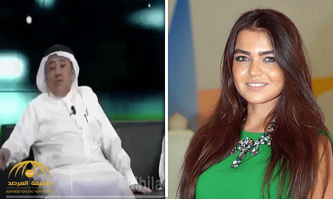 """بالفيديو .. """"عبد العزيز الدغيثر"""" يحرج المذيعة """"لين أبو شعر""""  بوصلة غزل على الهواء"""