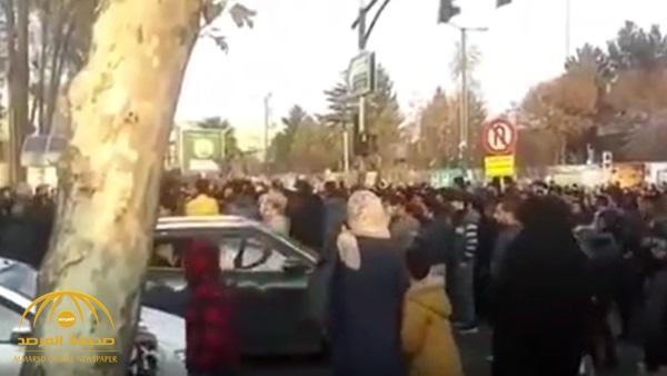 بالفيديو .. متظاهرو إيران يهتفون : لا غزة ولا لبنان روحي فداء لإيران