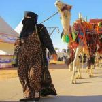"""بالصور : """"أم عواد"""" تلفت الأنظار في مهرجان بريدة 39 .. وتكشف عن أسماء خيامها!"""