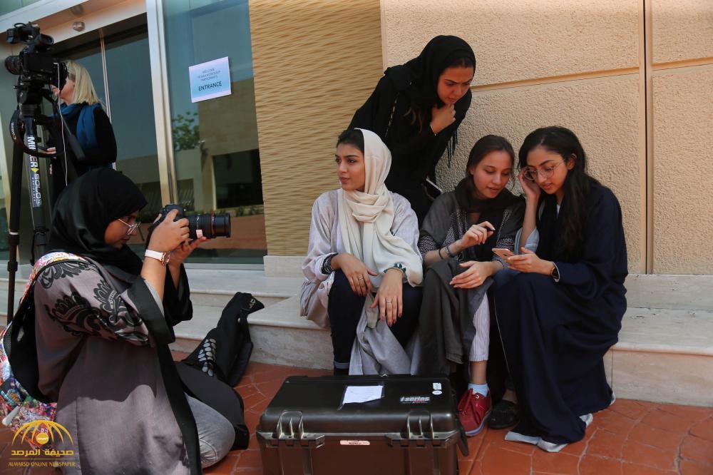"""بالصور: سعوديات يعشقن """"الكاميرا"""" ويدرسن السينما بجدة.. هكذا علقن على عرض أفلامهن بعد حظر ظل 35 عاما"""