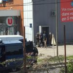 داعشي يحتجز رهائن في متجر بفرنسا.. وسقوط قتلى!