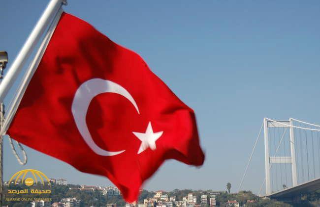 مطعم تركي يهدد السوريين والإيرانيين والأفغان بالضرب لو ارتادوه !