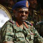 """مسؤول سوداني سابق يكشف  متى ينحاز """"الجيش"""" للمحتجين والإطاحة بالبشير!"""