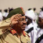 احتجاجات السودان … أول تعليق لقادة الجيش بعد إعلان البشير استعداده لتسليم الحكم