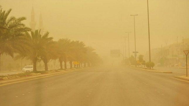 """""""الأرصاد"""": استمرار الرياح والأتربة المثارة على معظم مناطق المملكة حتى هذا الموعد!"""
