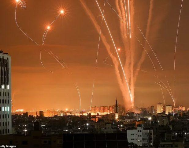 إسرائيل تكشف عن عدد ضخم للصواريخ التي أطلقتها على غزة خلال 40 دقيقة  ليلة أمس