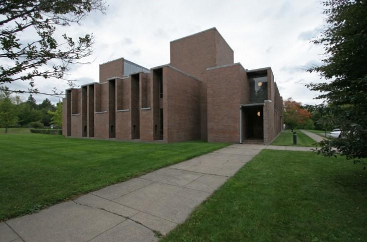 التصميم الخارجي لكنيسة الموحدة في روتشسترللويس كان