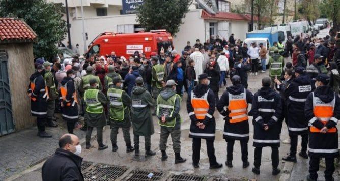 الأمن يطوق موقع ورشة النسيج غير القانونية بفيلا بمدينة طنجة المغربية