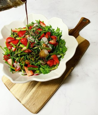 spring salad with balsamic